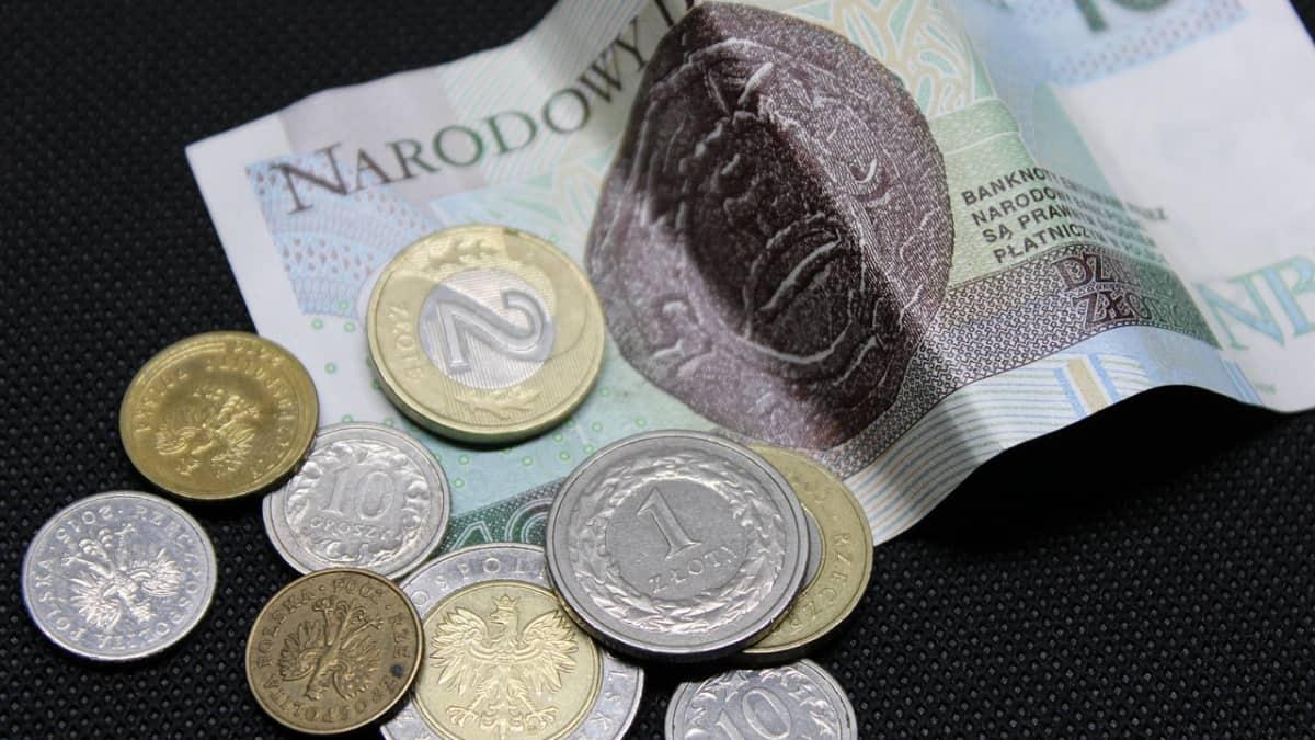 Polish coins and banknotes