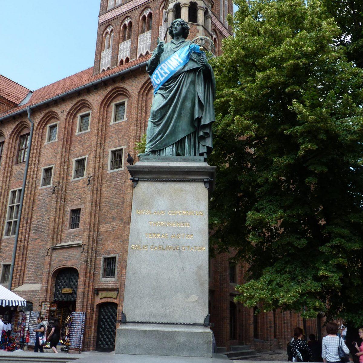 Copernicus Monument, Torun
