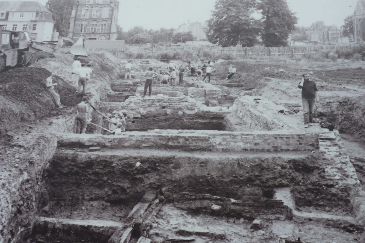 archaeologists in Elblag